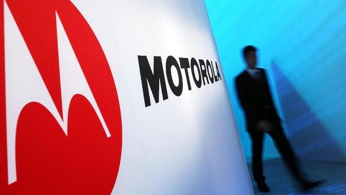 Motorola Razr mau lahir kembali dengan wujud ponsel layar lipat. (Foto: Spencer Platt/Getty Images)