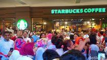 Pendukung Jokowi Selawatan di Hotel Bidakara Jelang Debat Pilpres