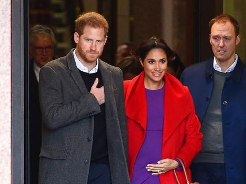 Alasan Kate Middleton dan Meghan Markle Kompak Bawa Tas di Tangan Kiri
