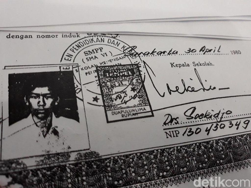 Polisi Tangkap Penyebar Hoax Ijazah Jokowi Palsu