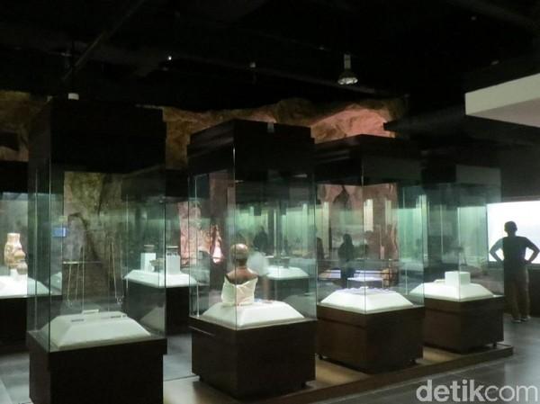 Museum dibangun tahun 1906 dan hancur saat Perang Dunia II tahun 1945, dibangun ulang dari 1959-1963 dan menjadi museum nasional Malaysia. (Fitraya/detikTravel)
