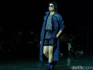 Angkat Tenun Sambas, Priyo Oktaviano Jadi Desainer Terbaik di Harbin, China