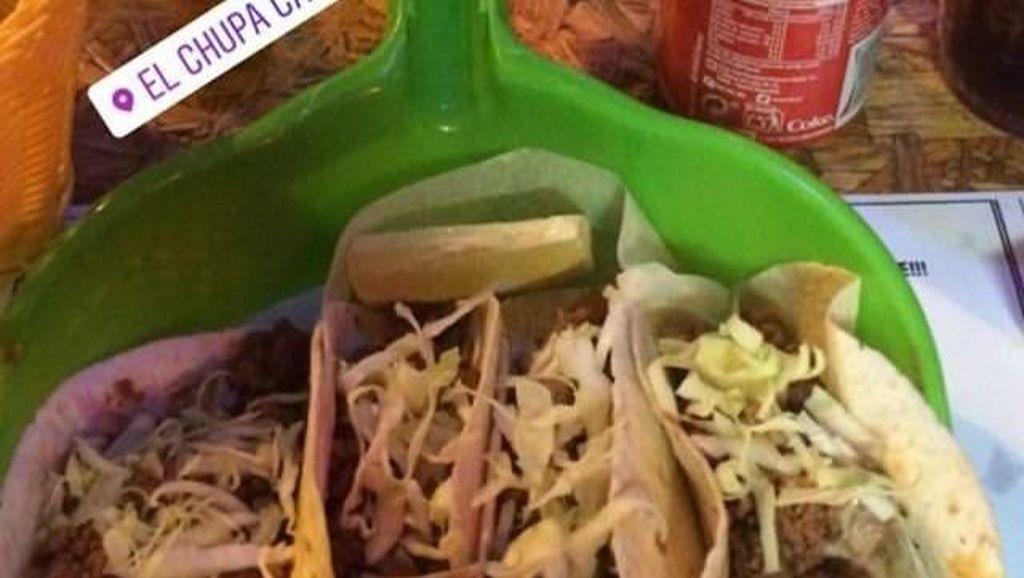 Cheese Ball dalam Sneaker hingga Taco di Pengki, Ini 6 Penyajian Makanan Super Aneh