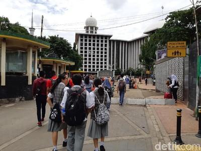 Belajar Toleransi dan Cinta Indonesia Lewat Wisata Bhinneka