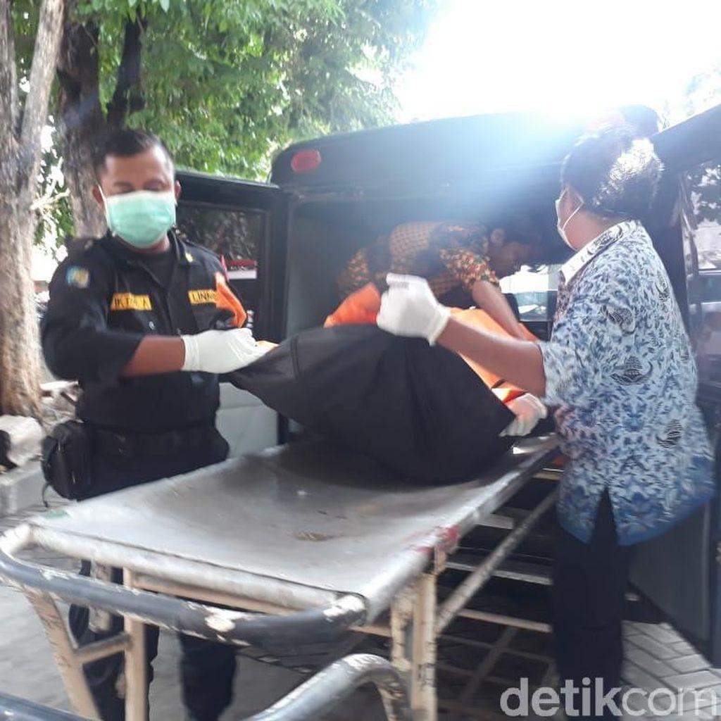 Mayat Dalam Tong Dievakuasi ke Kamar Mayat RSU Soetomo