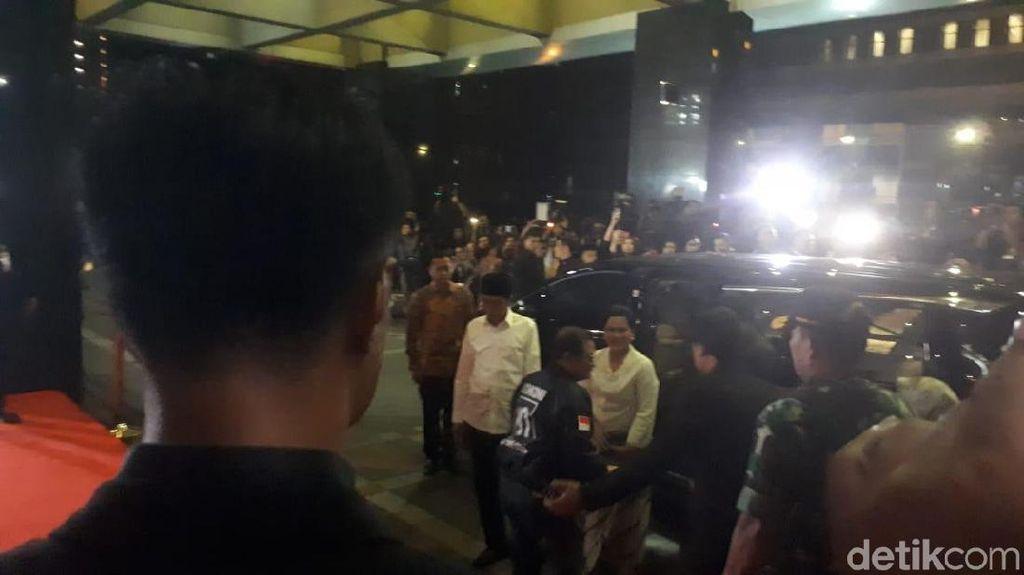Satu Rombongan, Jokowi-Maruf Amin Tumpangi Toyota Alphard