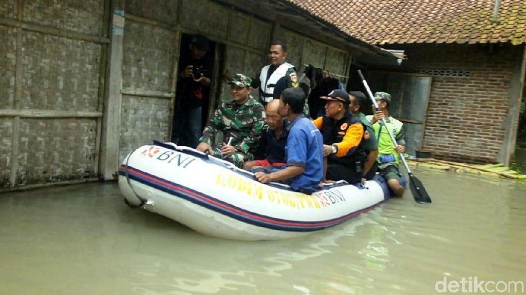 Air Belum Surut, Ratusan Warga di Purworejo Enggan Dievakuasi