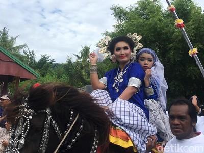 Tradisi Kuda Menari dan Penunggang Cantik dari Polewali Mandar