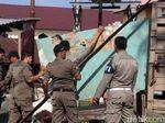 Satpol PP Bongkar Kios PKL di Areal Publik di Banda Aceh