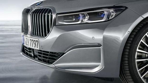 BMW Seri 7 Resmi Diluncurkan, Lebih Nendang