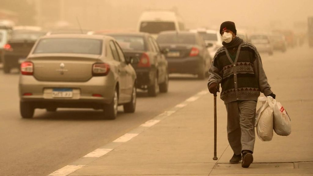 Begini Perjuangan Warga Mesir Lawan Badai Pasir