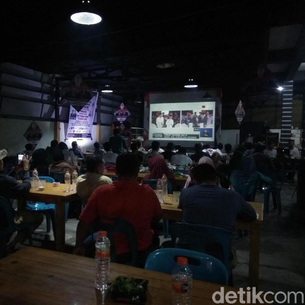 Nobar Debat Pilpres di Aceh: Kubu Jokowi di Posko, Tim Prabowo di Warkop