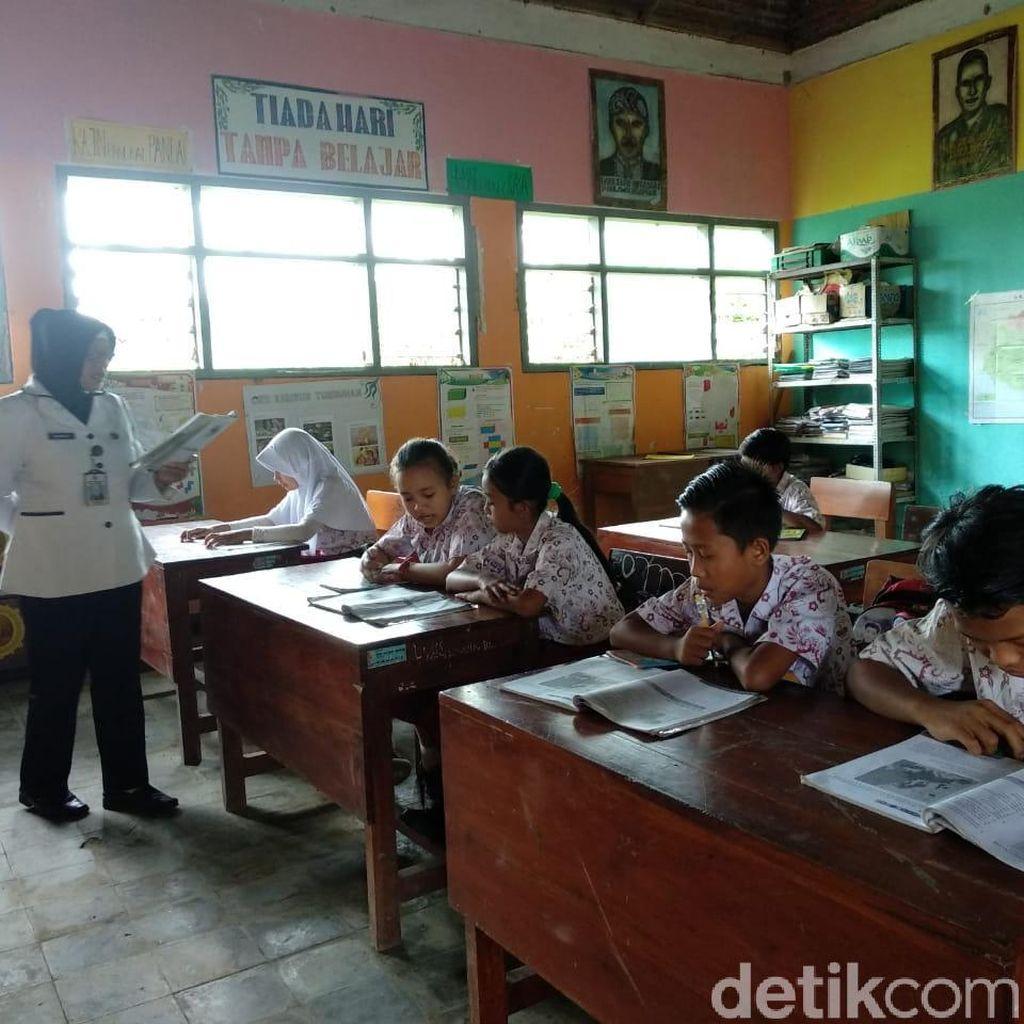 Ironis, Potret Sebuah SD di Jember dengan 3 Ruang Kelas dan 2 Guru