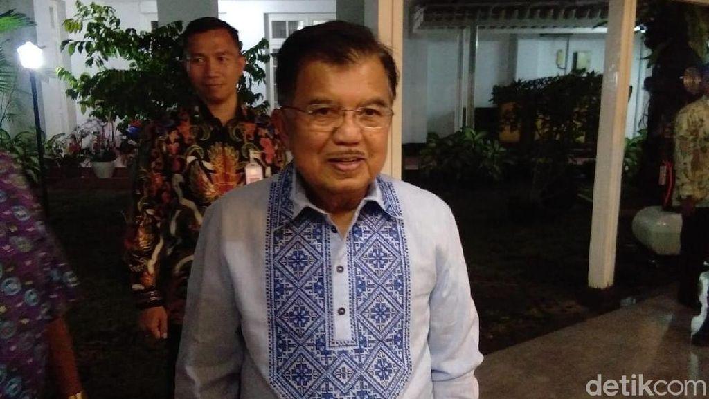 Yakin Jokowi Tak Nepotisme, JK: Anak Beliau Bisnis Martabak & Pisang