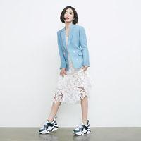 Dipakai Song Hye Kyo, 'Dad Sneakers' Ini Sold Out dalam 2 Minggu