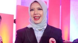 Beda Gaya Hijab Istri Maruf Amin dan Sandiaga Uno di Debat Pilpres