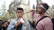 Kompak! Gaya Kece Kulineran Vadi Akbar dan Vidi Aldiano di Jepang