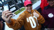 Melihat Aksi Pendukung di Debat Capres Perdana