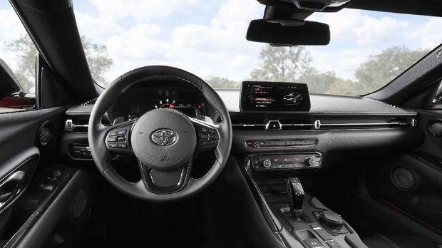 Debut Supra, Mobil Sport Toyota Rasa BMW