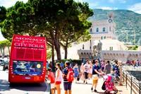 Monaco punya luas hanya 2,02 km persegi, dengan penduduk 30-an ribu orang. Tak sedikit turis yang liburan ke Prancis atau dari Italia, melanjutkan perjalanannya ke sana (iStock)
