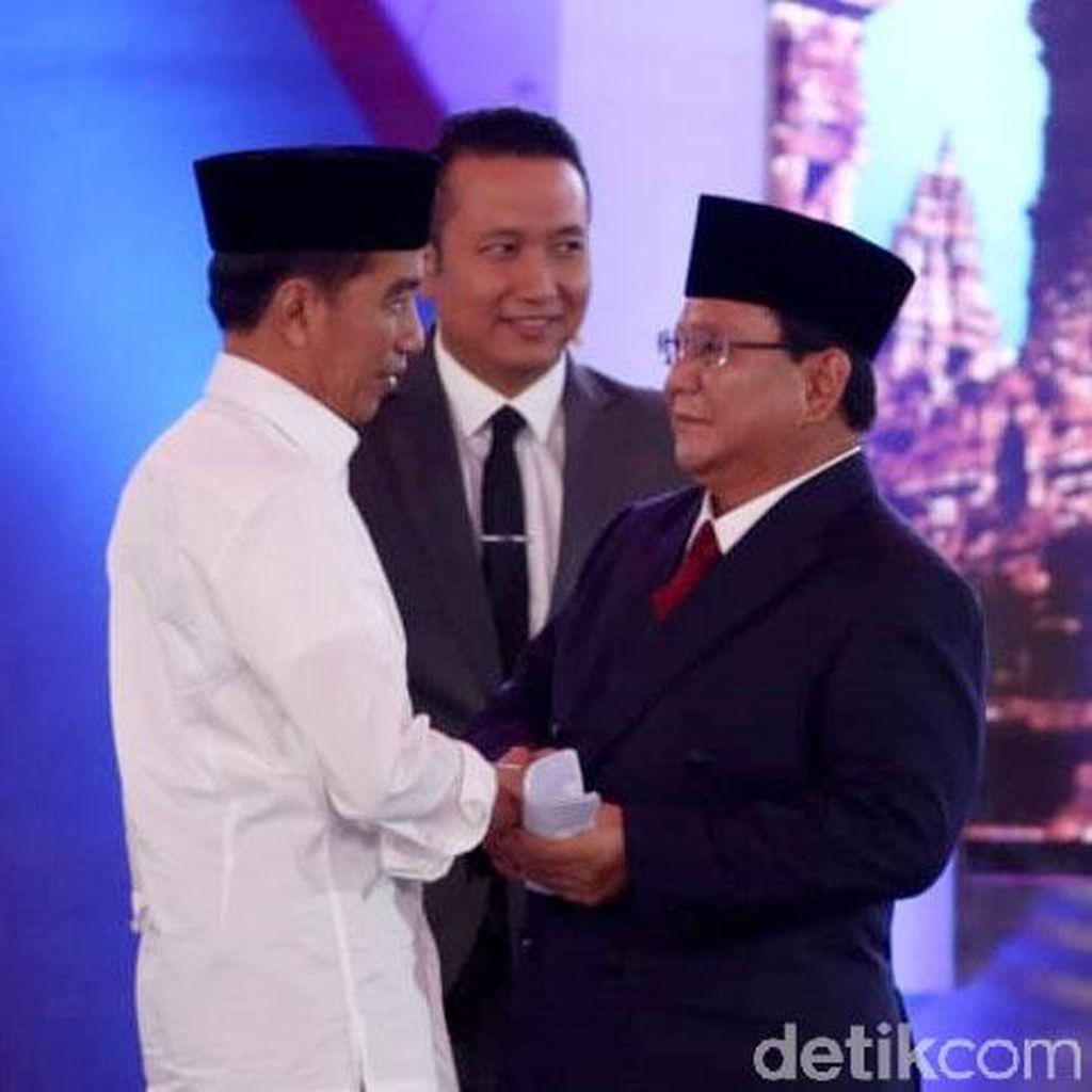 Analisis Gestur Jokowi Menunjuk dan Prabowo Joget-joget