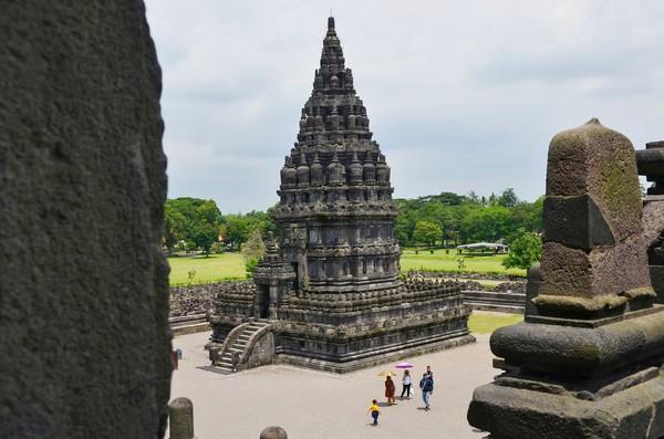 Diperkirakan Candi Prambanan telah ada semenjak abad ke 9. (Satria Nandha/detikTravel)
