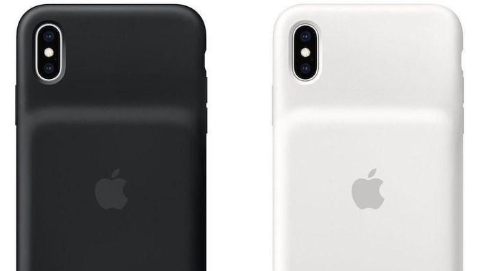 Case baterai anyar Apple saat dipaka di iPhone XS Max. (Foto: dok. Apple)