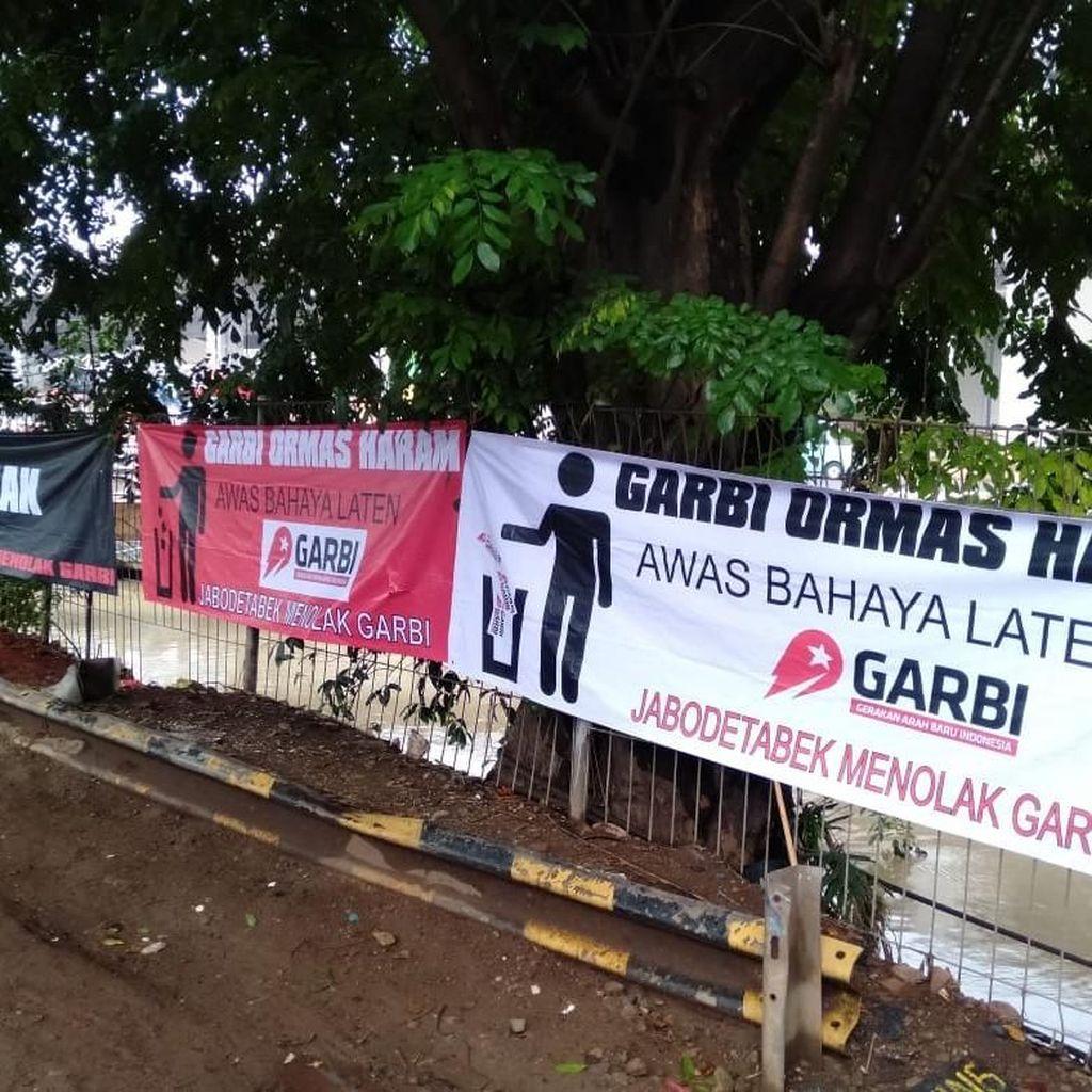 Spanduk Tolak Garbi Ormas Haram, Fahri: Karena Mau Deklarasi