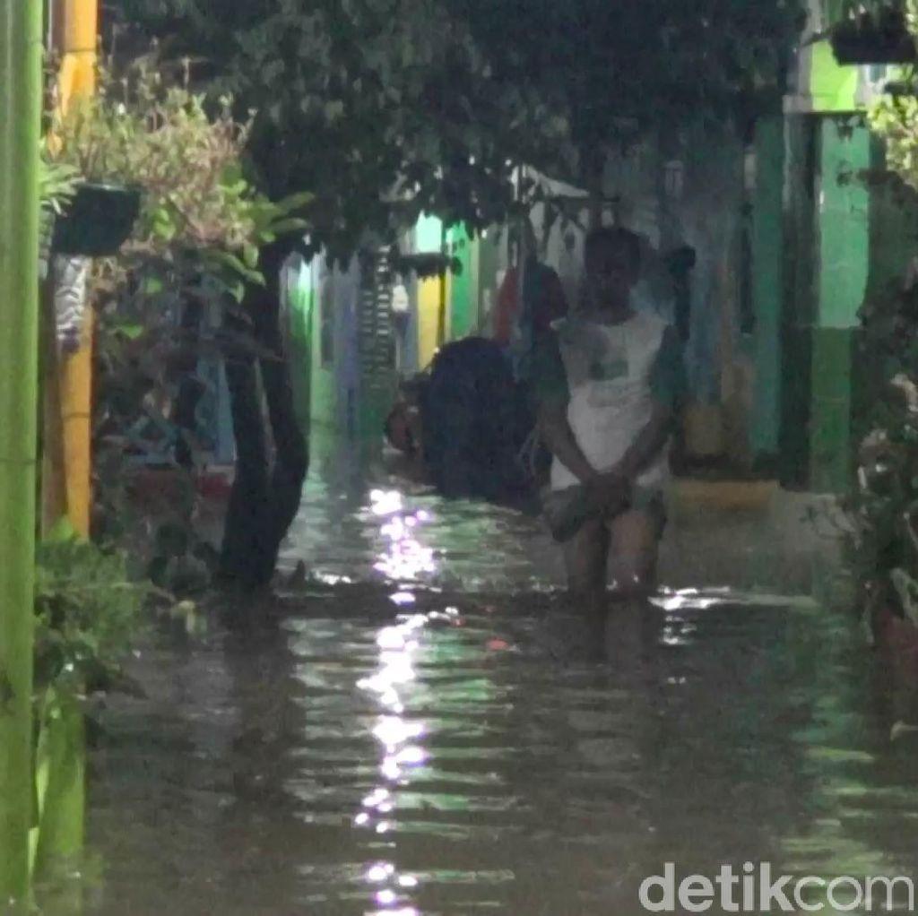 Sungai Meluap, 2 Kelurahan di Pasuruan Dilanda Banjir Hingga 1 Meter