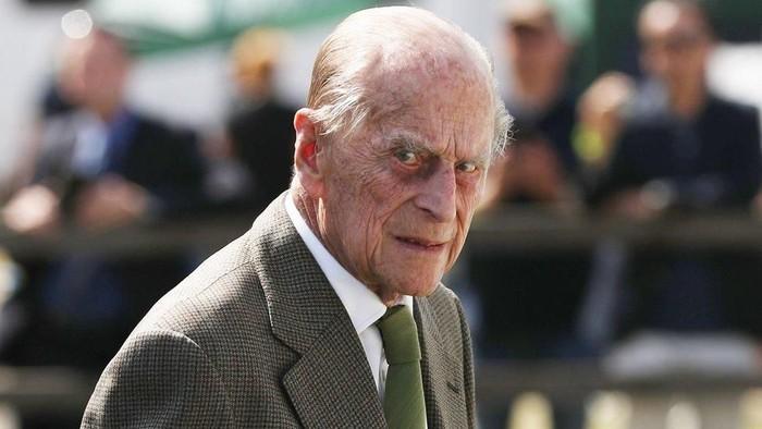 Pangeran Philip: Suami Ratu Elizabeth II terlibat kecelakaan lalu lintas, mobilnya terguling