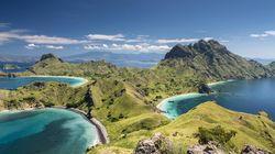 Pesona Pulau Padar Bikin Turis Jepang Terpukau