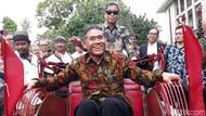Menteri Jonan Jajal Becak Listrik Karya UGM