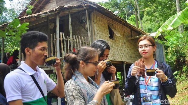Mahasiswa asing pelajari kopi khas Muria, Kudus.