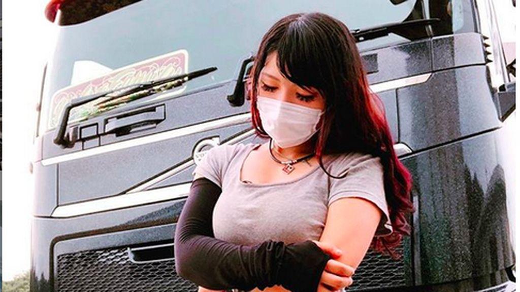 Amboi, Sopir Truk Paling Cantik di Jepang