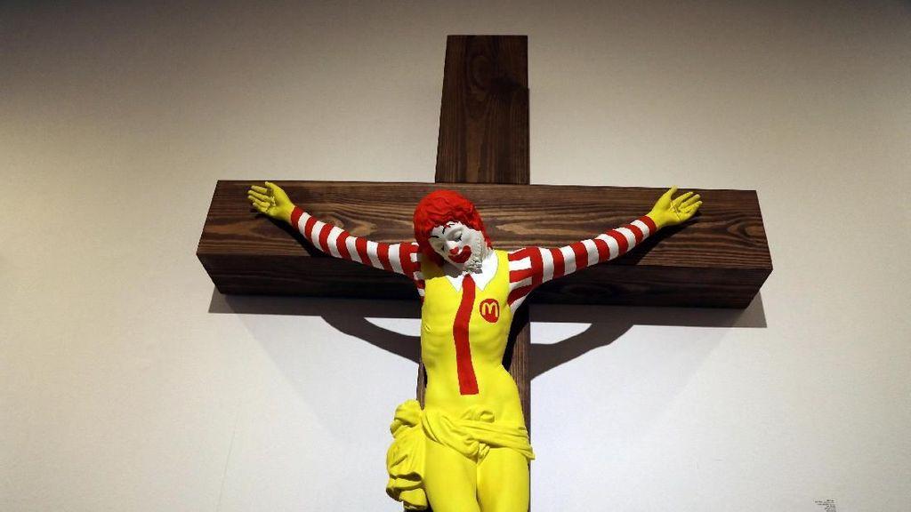 Karya Seni McJesus yang Kontroversial di Israel