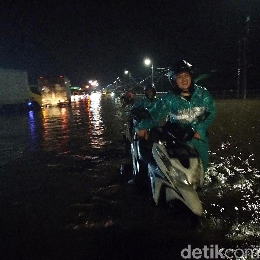 Diguyur Hujan Berjam-jam, Porong Lama Kembali Banjir