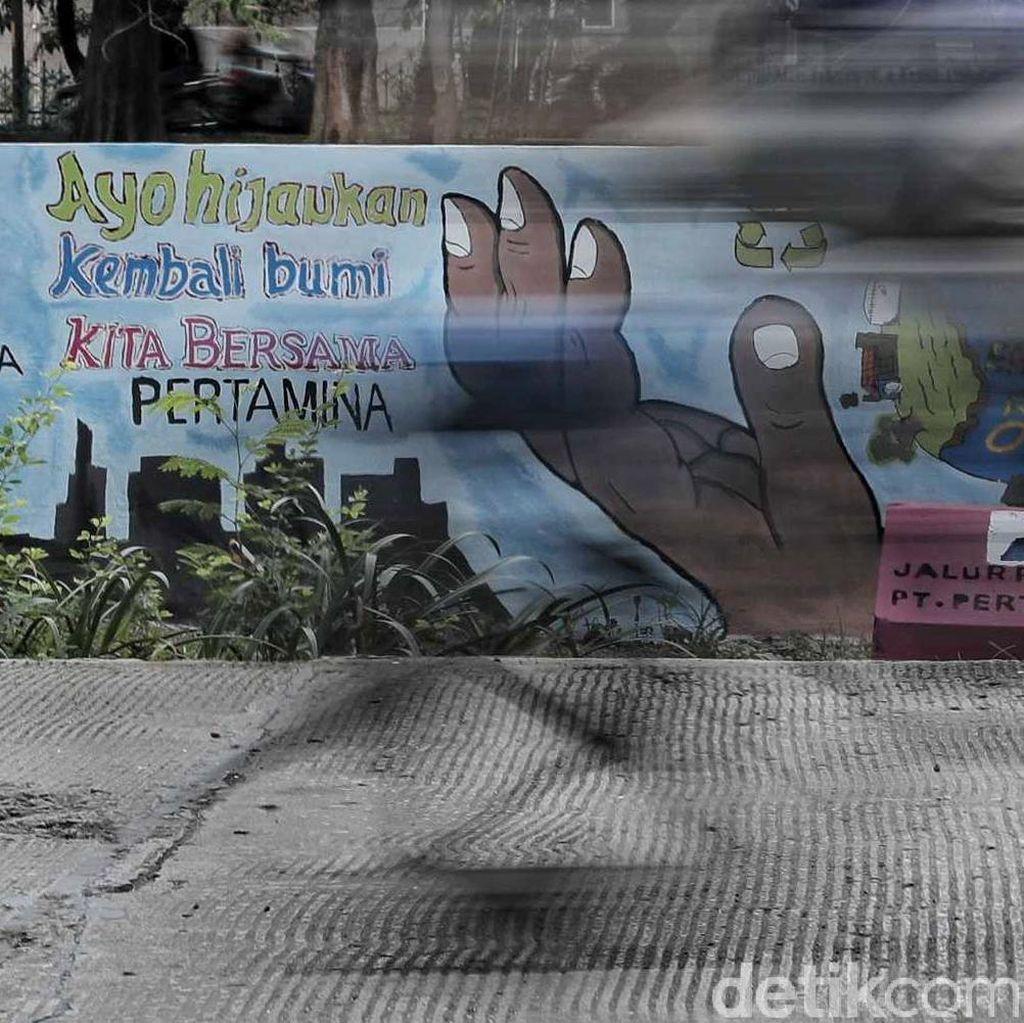 Keren! Mural di Kawasan Sunter Ajak Warga Peduli Lingkungan