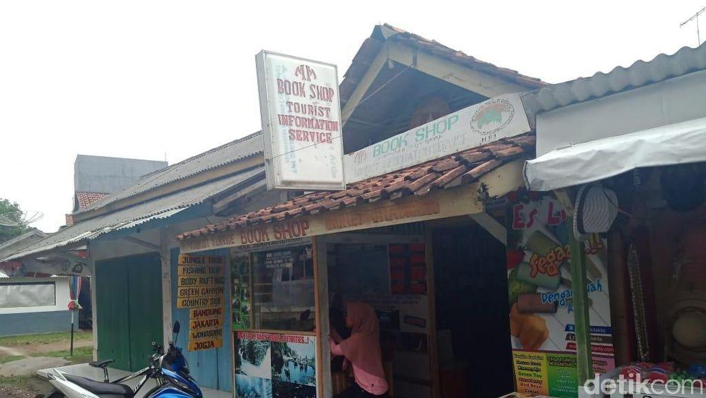 Uniknya Liburan di Pangandaran, Bisa Barter Novel Langka