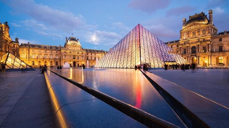 Terbesar di Dunia! Museum Louvre Paris Pecahkan Rekor 10,2 Juta Pengunjung
