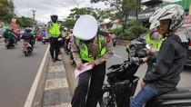 Polisi Tilang 400 Pemotor yang Masuk Jalur Cepat Margonda Depok