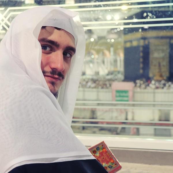Saat di Mekkah, Saudi Arabia. (therealfatih/Instagram)