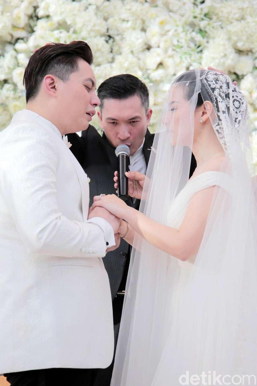 Tawa, Tangis dan Ciuman Edric Tjandra untuk Venny