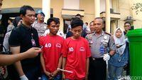Kedua pelaku dibekuk polisi