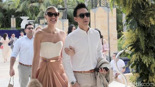 Serasinya Daniel Mananta dan Sang Istri Maria Viola