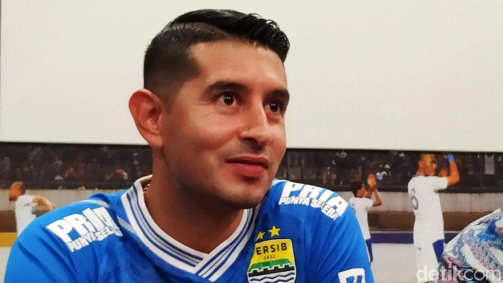 Esteban Vizcarra Perpanjang Kontrak di Persib Bandung