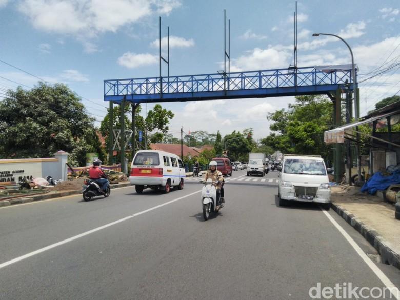 Ciamis Bangun JPO Pertama di Jalan Nasional