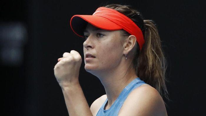 Maria Sharapova lolos ke babak 16 besar Australia Terbuka 2019 usai mengalahkan Caroline Wozniacki (Foto: Aly Song/Reuters)