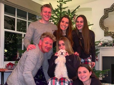Potret Manis Chef Galak Gordon Ramsay Bareng Keluarga