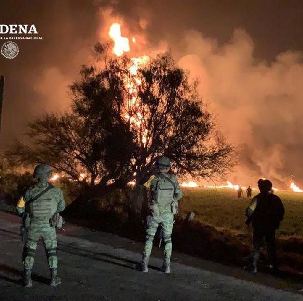 Kebocoran Pipa Bensin Picu Kebakaran Hebat di Meksiko, 20 Orang Tewas