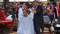 Jokowi Bicara Alasan Iriana Arahkan Tukang Cukur Asgar soal Model Rambut